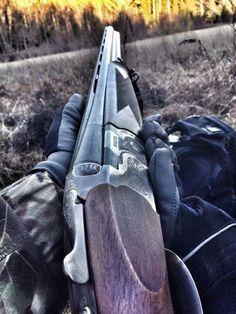 A beautiful Beretta. Skeet Shooting, Shooting Guns, Game Shooting, Beretta Shotgun, Scout Rifle, Sporting Clays, Gun Art, Military Guns, Hunting Rifles