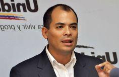 Jose Benitez de AD,  el endeudamiento compromete el futuro de la nación,Jose Benitez de AD, y miembro de la MUD,  comenta sobre las negociaciones del gobierno de Maduro con China para endeudamiento y proyectos. Entrevistado en RCR por Maria Alejandra Trujillo en el programa Palabras Más Palabras Menos.