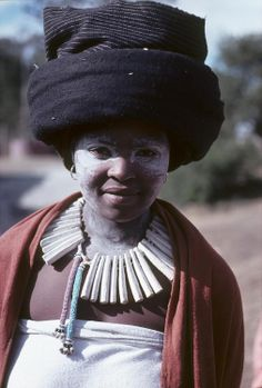 Xhosa people, South Africa by Harold E. Beautiful African Women, African Beauty, African Fashion, Xhosa Attire, African Tribes, Church Hats, African Culture, Before Us, African Hairstyles