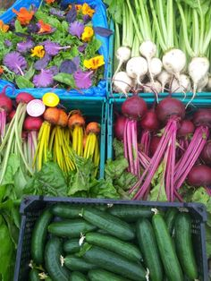 blankoma, choggia, golden beetroot and other veggies at Galway market via NewsMix: http://newsmix.me