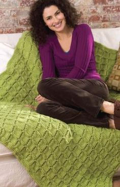 Easy Cable Afghan Knitting Pattern free from Red Heart