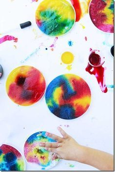 Salty Rainbows Rrocess Art - This is such a fun, creative, and colorful kids activities that toddler, preschool, kindergarten and elementary age kids are going to love! #processart #artforkids #kidsart