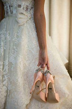 Für die Schuhe ein zartes Rosé wählen