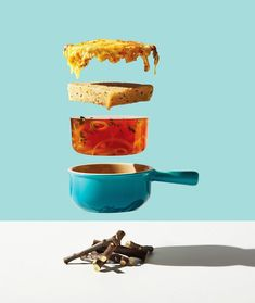 In Toronto, the photographer Michael Crichton and his colleague and stylist Leigh MacMillan imagined a visual project highlighting food, titled Conceptual Food. Michael Crichton, Still Life Photography, Light Photography, Shape Photography, Photography Tips, Deconstructed Food, Illustration Arte, Foto Still, Texas Chili