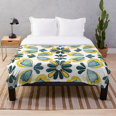 Gold Throw, Fashion Room, Green And Gold, Vintage Designs, Comforters, Blanket, Pillows, Printed, Bed