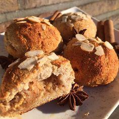 Mini apple-cinnamon pies  recipe by @barunac  #apple #cinnamon #pie #applepie #healthychoices #healthyfood #healthyrecipes #edrecovery #healthyfoodporn #foodporn #ed #dnesjem #dnesjemzdravo #dnessnidam #dnesjemvegan #vkuchyni #uzasnejedlo #breakfast #foodstagram #baking #dnespeciem #dneszjem #bojzanovytelo #fitfood #sugarfree #fooddiary
