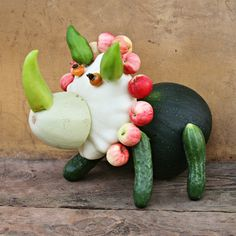 cute fruit and vegetable dinosaur decoration! Complete with step-by-step how to guide.