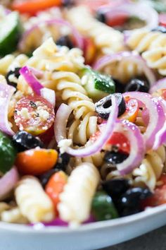 Your friends will be begging you for the recipe! Your friends will be begging you for the recipe! Greek Tortellini Pasta SaGreek Orzo Salad with LemGreek Tortellini Salad Re Healthy Greek Recipes, Greek Salad Recipes, Baby Food Recipes, Cooking Recipes, Greek Salad Pasta, Soup And Salad, Salad Dishes, Pasta Dishes, Tortellini