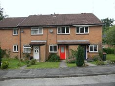 Monthly Rental Of £925  2 Bedroom Terraced House - Cherry Tree Close, Crawley, West Sussex, RH10 7FR Estate Agents