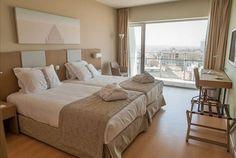 Venha estrear o mais recente hotel da Figueira e acorde com vistas desafogadas para o mar. No Eurostars Oásis Plaza Hotel 5 ou 7 noites com pequeno-almoço para 2 pessoas + acesso ao centro fitness e piscina interior desde 439€ - Descontos Lifecooler