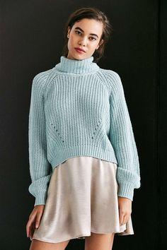 Kimchi Blue Noah Balloon-Sleeve Turtleneck Sweater