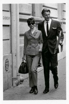 Audrey Hepburn and Hubert de Givenchy's iconic friendship in 25 vintage photos - Page 3 Blake Edwards, Miuccia Prada, Jackie Kennedy, Vogue Paris, Audrey Hepburn Black Dress, French Fashion Designers, Exhibition, Lace Evening Dresses, Costume
