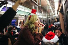 Christmastime in the City: Roving Photographer Daniel Arnold Takes to the Streets – Vogue