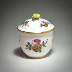 Sèvres - Pot à sucre - XVIIIe siècle