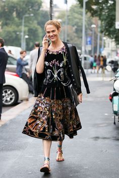 How To Dress Like An Italian Girl — 50+ Lessons Worth Knowing #refinery29  http://www.refinery29.com/2014/09/74945/milan-fashion-week-2014-street-style#slide53  How adults channel their inner princesses.