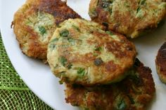 Low Carb Spaghetti Squash Latkes might be worth giving a try. No Carb Recipes, Veggie Recipes, Whole Food Recipes, Diet Recipes, Cooking Recipes, Healthy Recipes, Yummy Recipes, Wheat Belly Recipes, Wheat Free Recipes
