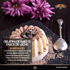 "Gelatina de Baileys "" dulce de leche"" Flan, Baileys Recipes, Mousse, Food Humor, Delicious Desserts, French Toast, Pudding, Sugar, Breakfast"