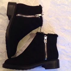 💝NWT Black Booties with silver zippers Brand new super cute black booties with silver zippers💖 Forever 21 Shoes Heeled Boots