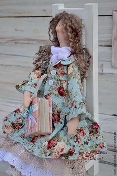 Our goal is to keep old friends, ex-classmates, neighbors and colleagues in touch. Polymer Clay Dolls, Soft Dolls, Doll Patterns, Dollhouse Miniatures, Fashion Art, Doll Clothes, Shabby Chic, Toys, Crafts