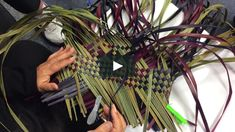 This is the second Patiki 3 pattern we learned for Kete Whakairo, Level Raranga, Wānanga ki Tauranga Moana, Kia ora! Island Crafts, Flax Weaving, Weaving Patterns, Weaving Techniques, Tahiti, Plant Hanger, Inspiration, Basket Ideas, Baskets