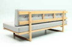 Daybed with wool and leather buttons build on a model 4311 oak-frame. Designed by Børge Mogensen and manufactured by Fredericia Stolefabrik, Denmark. www.reModern.dk