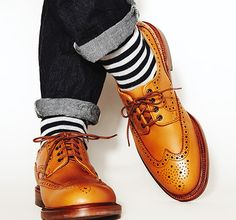 Advice When Shopping For The Designer Shoes. If you are a picky person who is totally consumed by the wide variety of remarkable designs of the designer shoes, then you are not alone. Sock Shoes, Men's Shoes, Shoe Boots, Dress Shoes, Shoes Men, Dress Clothes, Sharp Dressed Man, Well Dressed Men, Look Man