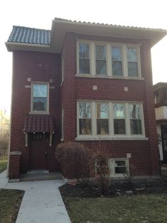414 S. Harvey, Oak Park, IL closed March 17, 2015.  Buyer worked with Linda Rooney of the Pych Team at Re/Max in the Village, to get a great deal on this beautiful 2-Flat.