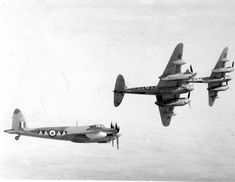 Ww2 Fighter Planes, Ww2 Planes, Fighter Jets, Ww2 Aircraft, Military Aircraft, D Day Ww2, De Havilland Mosquito, Ww2 Pictures, Nose Art