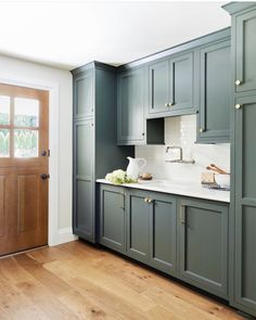 Missing this mudroom from the Portland Project.The white countertops balance out the moody green cabinets perfectly… Küchen Design, Home Design, Design Table, Design Elements, Green Kitchen, Kitchen Decor, Kitchen Ideas, Diy Kitchen, Mudroom Cabinets