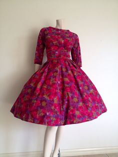 Stunning Vintage 50s Fuchsia and Mauve Brushstroke Cotton Party Dress / Mad Men / Medium Large / Full Skirt