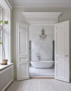 Bathroom Decorating – Home Decorating Ideas Kitchen and room Designs French Country House, French Country Decorating, Country Homes, Interior Stylist, Interior Design, Barcelona, Best Bathroom Designs, Bathroom Ideas, Houses