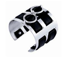 Bracelets de force Marc Deloche http://www.vogue.fr/joaillerie/shopping/diaporama/bracelets-de-force-hermes-marc-deloche/16063/image/877842#!bracelets-de-force-marc-deloche-double-etrier