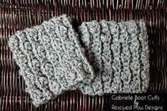 I hope you will love these Cozy Crochet Boot Cuffs as much as I do. They are extremely easy to work up and are super stylish!! {Even my 8 year old thinks they are cool!!} MATERIALS: Yarn (Medium Weight 4) ( I used Vanna's Choice in Oatmeal , Grey Marble and Barley) Size I Crochet Hook Scissors Yarn Needle NOTES: Tutorial on how to do the Puff Stitch HERE One