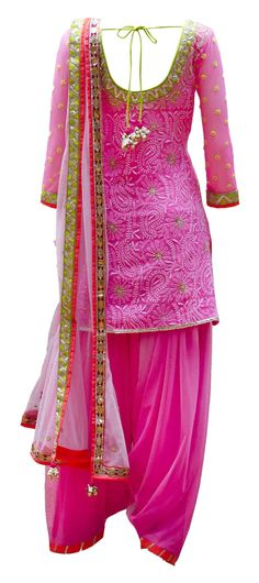 And patialas are back with a bang! :D Here's a cute one in pink+gold border.