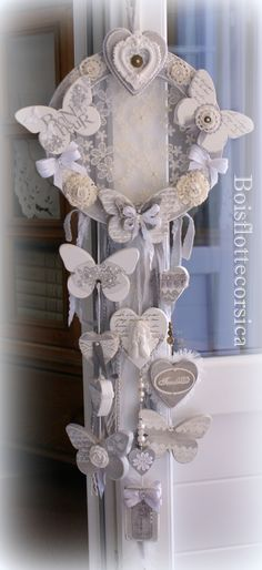 23 Clever DIY Christmas Decoration Ideas By Crafty Panda Crafts To Make, Arts And Crafts, Diy Crafts, Craft Projects, Projects To Try, Beautiful Dream, Home And Deco, Wind Chimes, Decoration