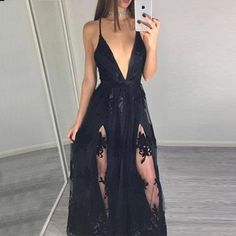 Silhouette A-Line Neckline Deep V-Neck Hemline/Train Floor-Length Fabric Tulle Embellishment Appliques Sleeve Length Sleeveless Waist Natural Back Details Zippe