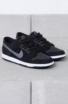 Nike SB - Nike Dunk Low Pro IW