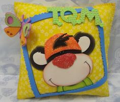Diy And Crafts, Lunch Box, Day, Ideas, Accent Pillows, Beautiful Things, Gift Shops, Carton Box, Manualidades