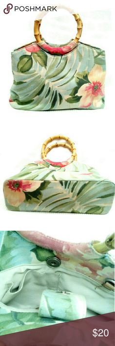 """BEAUTIFUL FOSSIL SMALL FLORAL  HANDBAG BEAUTIFUL FOSSIL SMALL FLORAL HANDBAG Has some ink stains inside (not outside) as pics show *.   Made of Quality Canvas Material *.   Two Bamboo Handles  *.   One Inside Pouch *.   Magnetic Snap Closing *.   L7 1/2"""" X W11"""" Drop 4 1/2"""" Fossil Bags Satchels"""