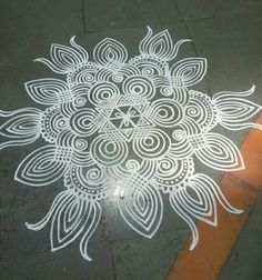 Explore latest easy rangoli design image ideas collection for Diwali. Here are amazing simple rangoli designs to decorate your home this festive season. Rangoli Side Designs, Simple Rangoli Designs Images, Rangoli Designs Latest, Free Hand Rangoli Design, Small Rangoli Design, Rangoli Patterns, Rangoli Ideas, Rangoli Designs With Dots, Mehndi Art Designs