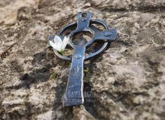 Celtic cross, made to order. #cross #handmadecrosses #forgedcross #steelcross #handmadeitems #blacksmithworkshop #forgeditems #woodencross #carvedcross #buycross #ordercross #orthodoxcross #churchgoods #churchitems #vigillamp #sanctuaryitems