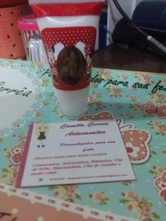 bisnaga com creme hidratante para lembrancinha de aniversário, chá de bebê e outros