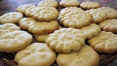 La ricetta dei biscotti di riso senza burro è perfetta per chi vuole un gusto più leggero ma comunque saporito.