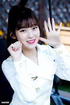 Who : '오마이걸' 아린 When : 2017. 3.30 Where :서울 마포구 망원동 카페