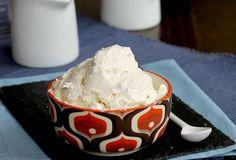 Il gelato furbissimo alla vaniglia si prepara in pochissimi minuti senza gelatiera. Non ghiaccia mai, sempre cremoso e buonissimo.