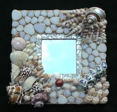 An ocean themed project would be nice. Seashell Art, Seashell Crafts, Beach Crafts, Diy Crafts, Mirror Mosaic, Mosaic Art, Mosaic Glass, Glass Art, Stained Glass