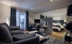 Petit Hôtel Confidentiel. 10 rue de la Trésorerie 73000 CHAMBERY SAVOIE FRANCE