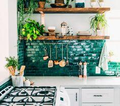 cuisine avec carrelage mural color repeindre carrelage cuisine vert meraude deco. Black Bedroom Furniture Sets. Home Design Ideas