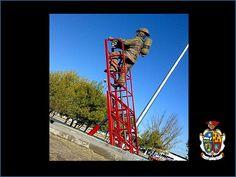 TURISMO EN CIUDAD JUÁREZ Te platica sobre el monumento  al bombero, debido a que este personaje siempre se encuentra al servicio de la comunidad atendiendo toda clase de emergencias, disturbios, incendios, coordinación en eventos sociales muy grandes etc. Por lo que es muy merecido www.turismoenchihuahua.com
