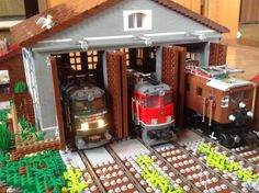 Lego engine shed - Trend Lego Train 2020 Lego Train Station, Lego City Train, Lego Trains, Lego Display, Lego Design, Lego Poster, Casa Lego, Lego Village, Lego Kits